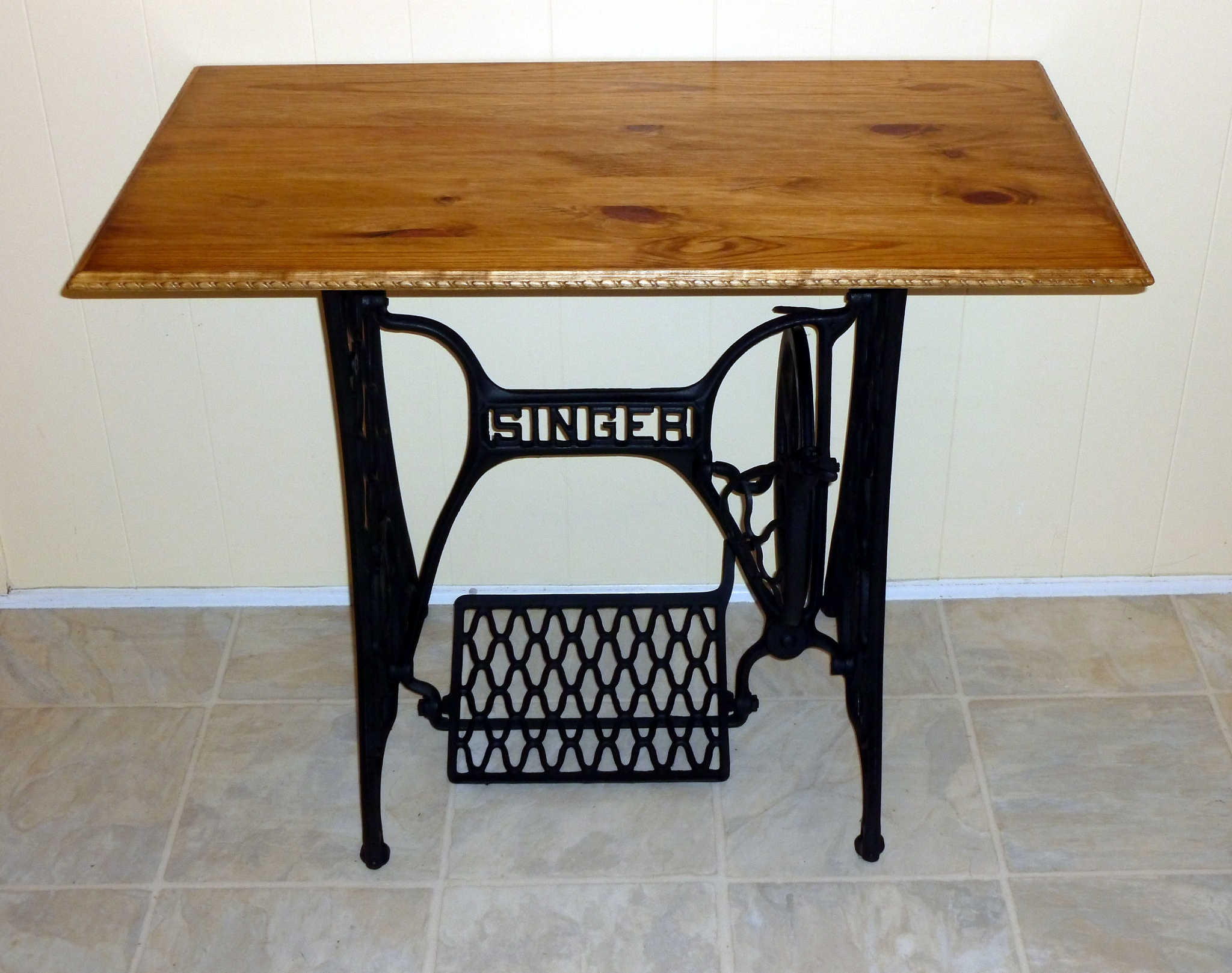singer sewing machine base gets a new table top jay 39 s technical talk. Black Bedroom Furniture Sets. Home Design Ideas