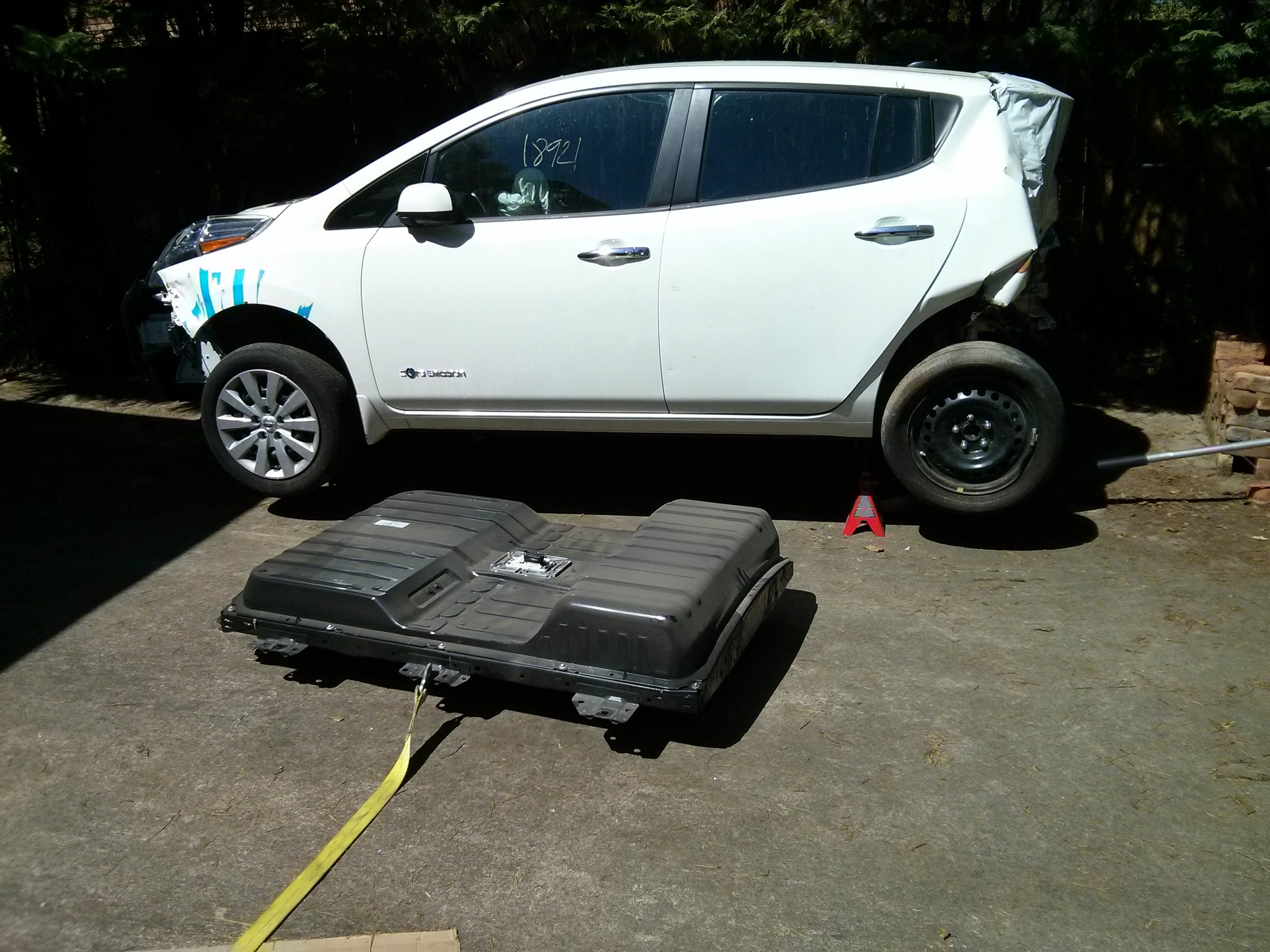 Nissan Leaf Battery Replacement >> How to drop a Nissan Leaf battery pack (without an auto lift) | Jay's Technical Talk