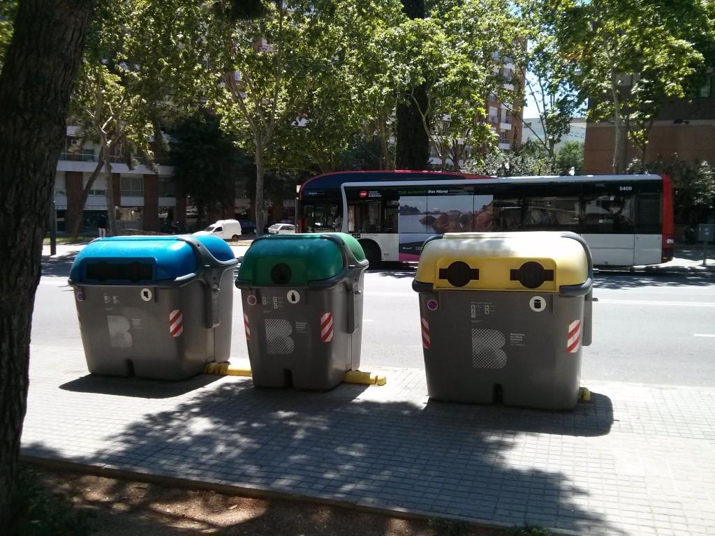 barcelona_recycle_bins