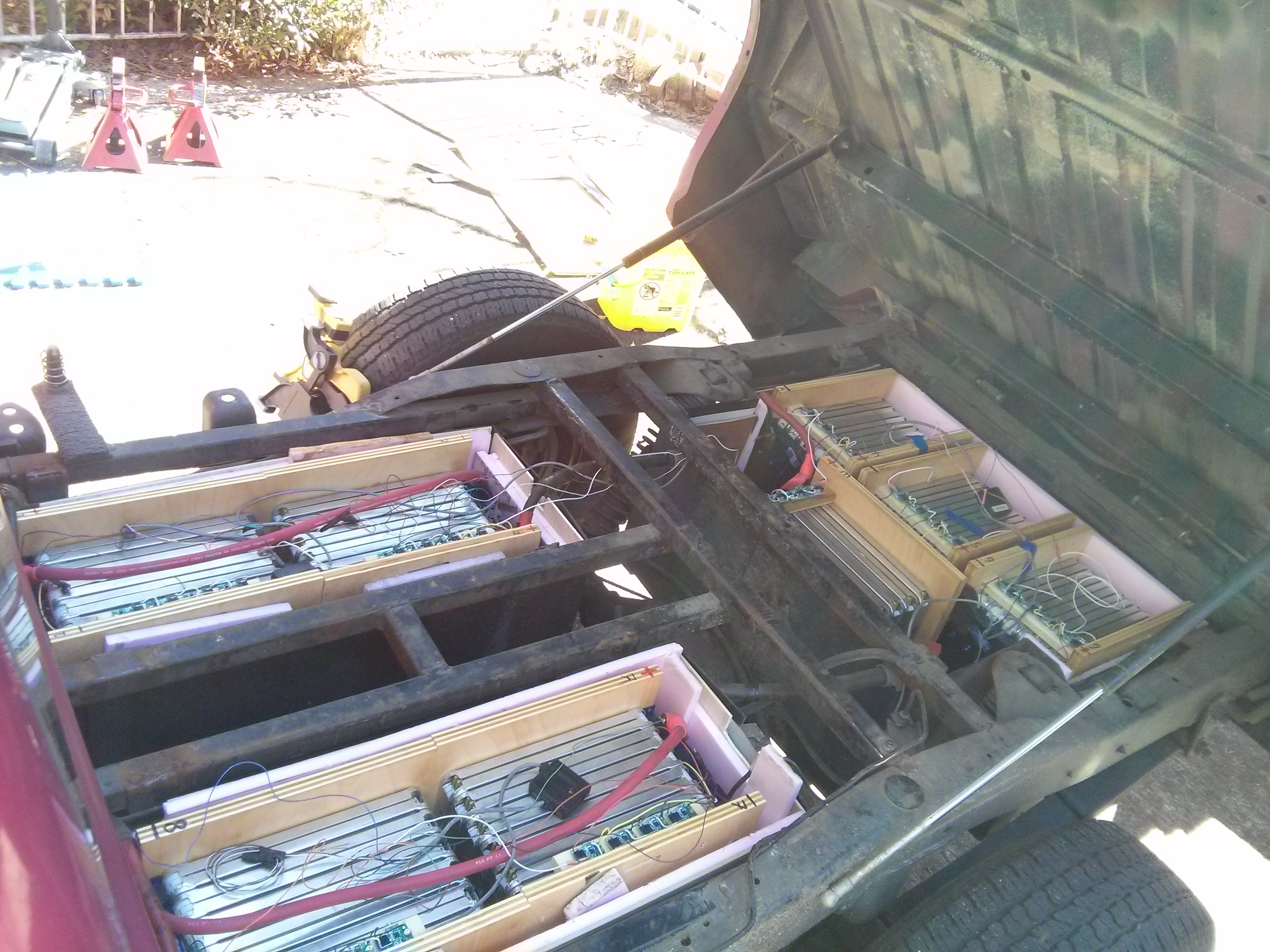 From A Salvaged Nissan Leaf Battery Pack I Have Them Wired In Series 16 Sets Of 3 Parallel Modules Providing 128 Volts With 180ah Capacity 23 Kwh