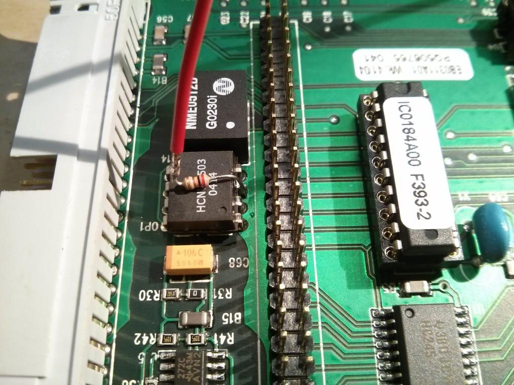 deadbug_200Ohm_resistor_pin3